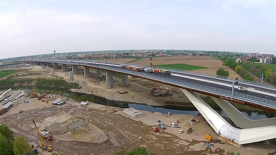 Picture of the bridge over Seveso River