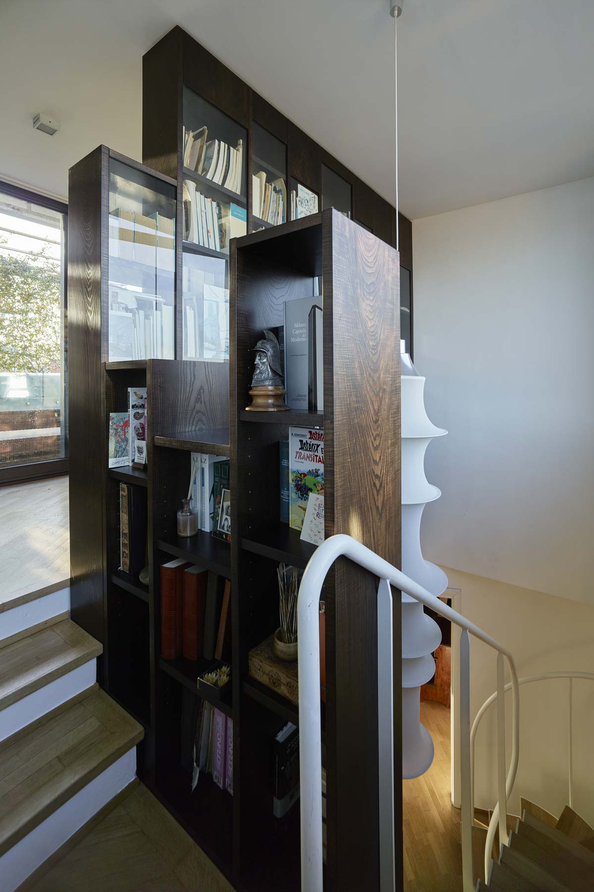 Picture of the wooden bookcase